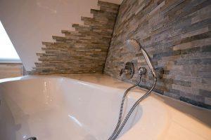 Badezimmer fliesen: Die heutigen Materialien lassen sehr viel Raum für Phantasie.