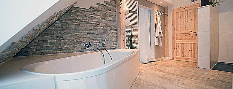 Badsanierung: Die Fliesen sind auch bei einer Sanierung ein ganz entscheidendes Gestaltungselement.